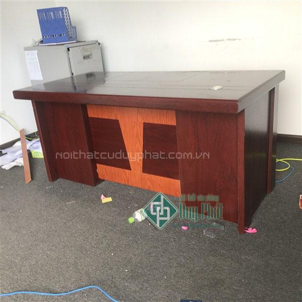 Các mẫu bàn giám đốc đẹp giá rẻ tại Hà Nội.