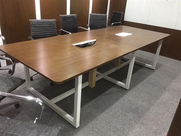 Một số mẫu bàn họp đẹp giá rẻ được sử dụng phô biến hiện nay