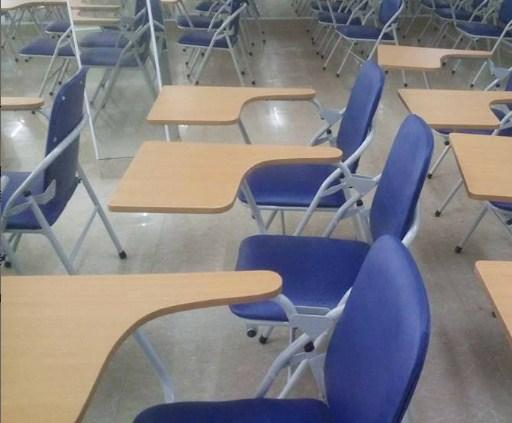 Ghế gấp liền bàn mới 99% đảm bảo độ bền đẹp1