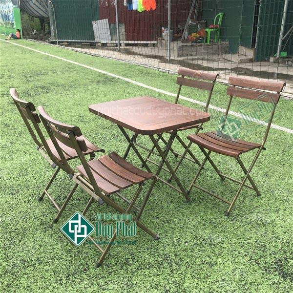 Thanh lý bàn ghế cafe mini khung sắt mới 100% tại Hà Nội1