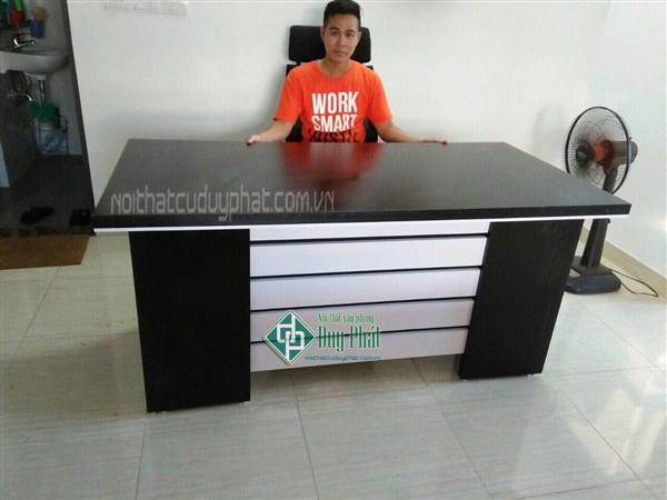 Thanh lý bàn giám đốc 80x1m6 màu đen gỗ MDF mới 99%1