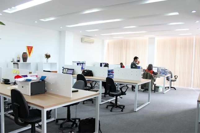 Vách ngăn bàn làm việc - Sản phẩm không thể thiếu trong văn phòng