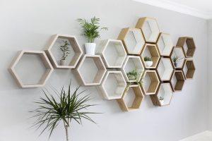 Lý do bạn nên mua kệ trang trí tường cho căn nhà nhỏ của mình