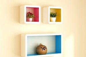 Tổng hợp 10+ mẫu kệ trang trí ô vuông treo tường phòng khách đẹp